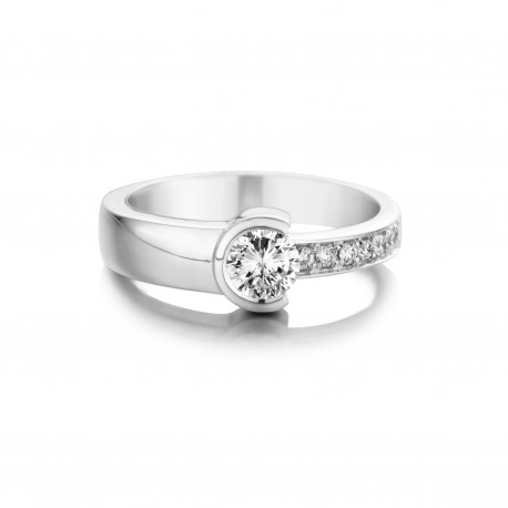 Jasmijn - Engagement ring in white gold and diamond